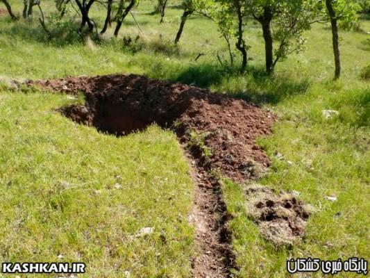 احداث چاله های فلسی به منظور  احیا جنگل های  بلوط حوزه شهرستان  کوهدشت-۱